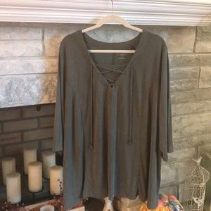 Catherine's Criss Cross Top 3/4 Sleeves NWT